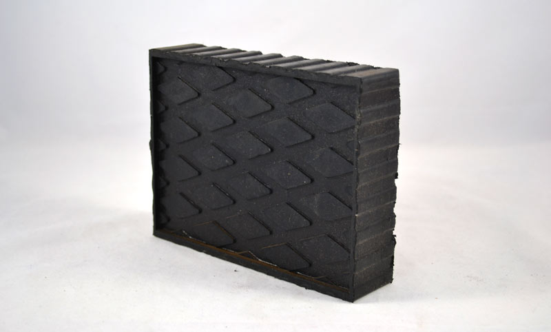 LP615 | Solid Molded Rubber Block Pad